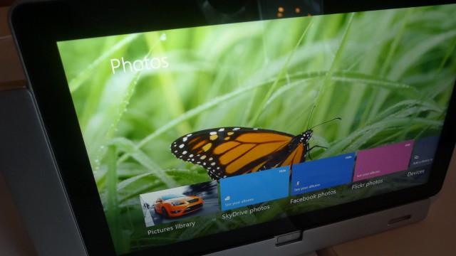Ved hjelp av en KMS-server som tar i mot alle typer nøkler, og en mediasenter-pakke som er gratis til januar, aktiveres Windows 8.