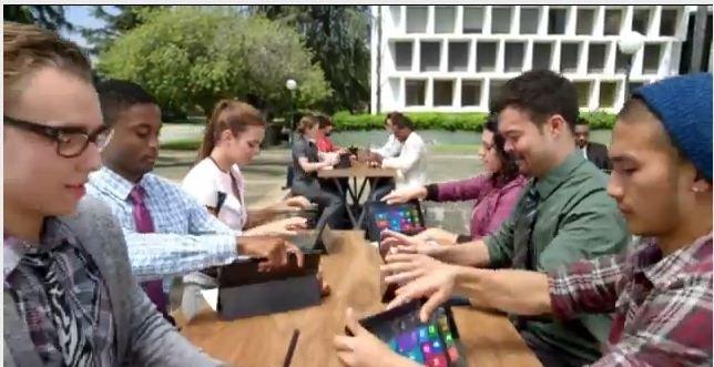 I reklamefilmen bruker «alle» Surface. Så får vi se om Microsoft er sanndrømt...