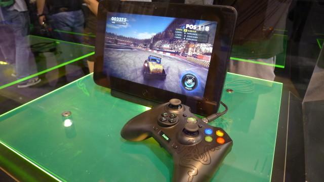 Med gamepaden er den ypperlig som konsoll tilkoblet TV-en.