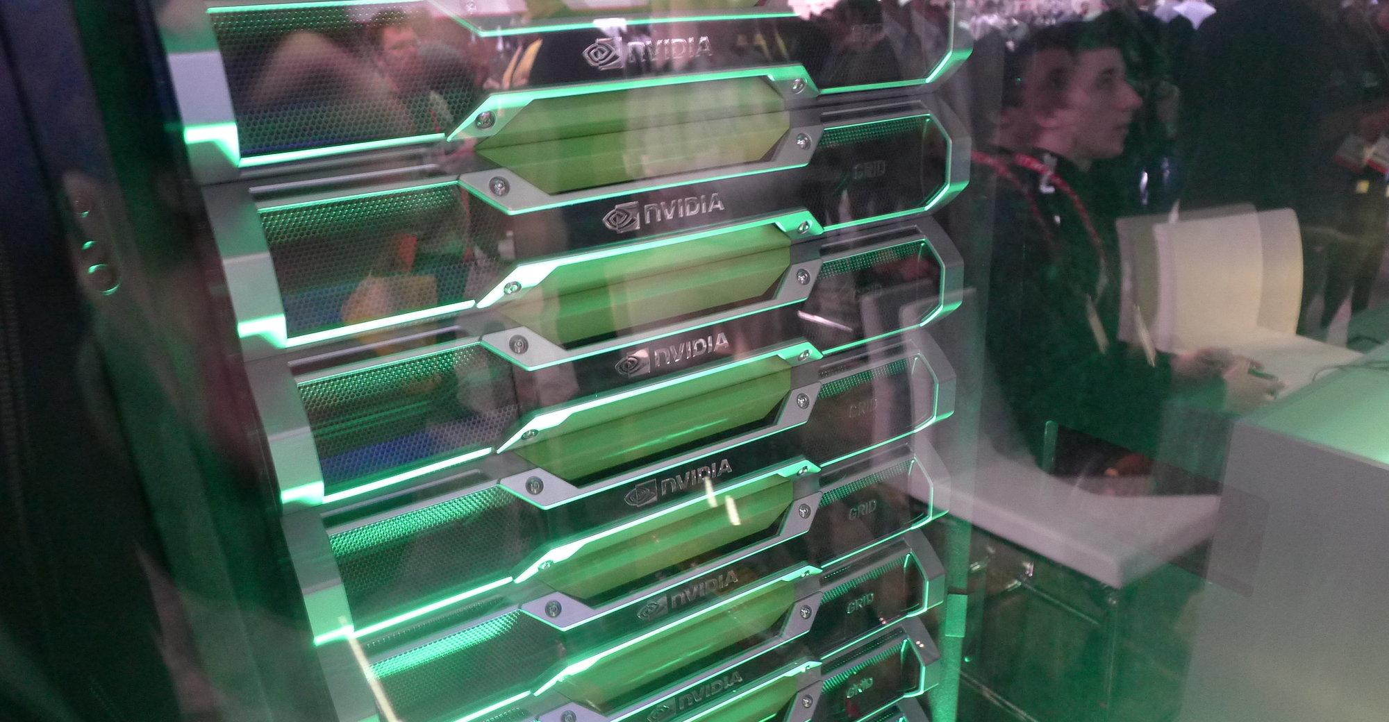 Nvidias Grid-servere på CES 2013. Selvsagt fungerte alle spillene uten problemer på messeområdet - det er en langt større utfordring å få sky-spilling til å fungere over hele USA, men avkastningen er minst like stor om de får det til å fungere.