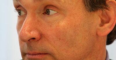 Tim Berners-Lee mener overvåking er et tveegget sverd.